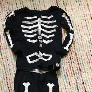 babyGAP skeleton jammies — glow in the dark!